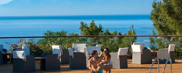 Club Med, Promovacances : 2 stratégies inversées