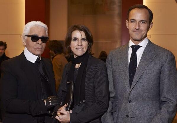 Francoise Marie Santucci entourée de Karl Lagerfeld et Frederic Mion