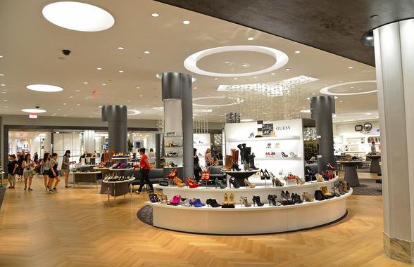 Rayon Chaussure au Macy de  Herald Square à Manhattan ( source : www.zombio.com)