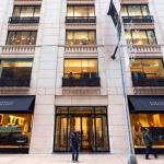 Chez Barneys New York, les beacons diffusent des contenus hautement personnalisés