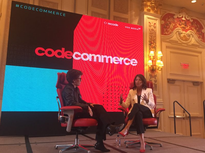 Kara Swisher (Recode) et Helena Foulks (CEO Hudson's Bay) sur ce que doit être un grand magasin : local et personnel